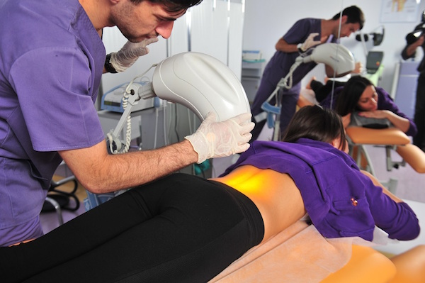 Dr. Ahmad Rawachdeh, despre cum pot fi tratate afectiunile coloanei vertebrale