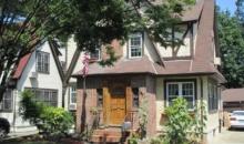 Casa in care a copilarit Donald Trump poate fi inchiriata prin Airbnb cu 725 dolari pe noapte