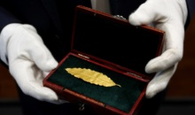 Frunza de aur din coroana lui Napoleon, vanduta cu 625.000 de euro