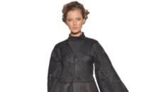 Zane si mirese imbracate in negru, la Saptamana Modei Arabe