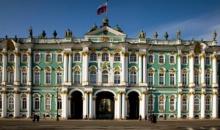 Sute de costume de epoca din colectia Muzeului Ermitaj, expuse la Sankt Petersburg