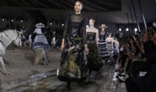 Casa de moda Dior a infruntat ploaia la castel