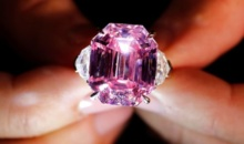 Diamantul roz, scos la licitatie in Geneva