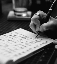 Care sunt obiceiurile de scris ale romanilor si ce branduri folosesc