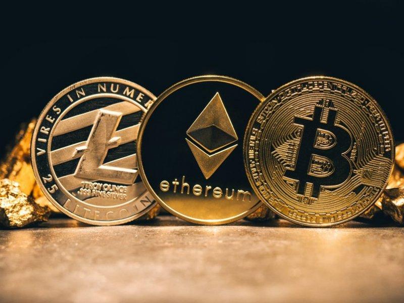 este inteligent să investești în bitcoin bitcoin mining software windows free